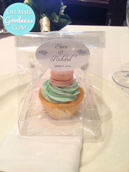 Toronto custom cake, Toronto cupcakes, Toronto wedding cupcakes